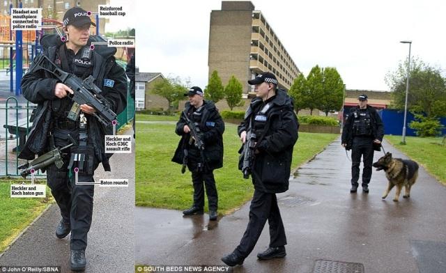 שוטרים בריטיים3jpg