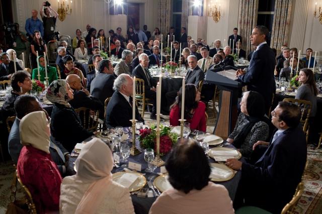 אובמה מארח מוסלמים